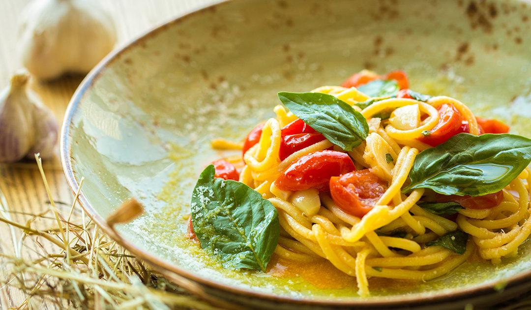 spaghetti con pesce spada e pomodorini campisi
